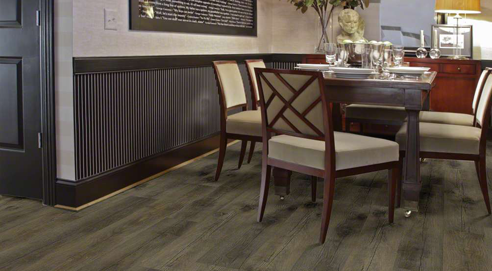 Laminate Flooring in Dining Room